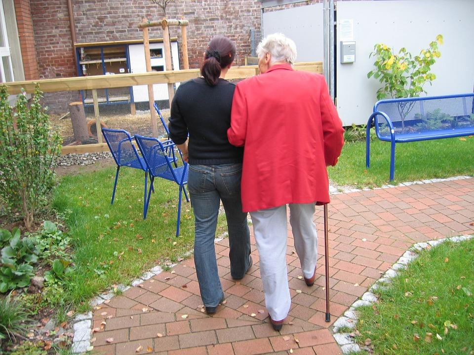 Alternative zum Pflegeheim: polnische Pflegekräfte