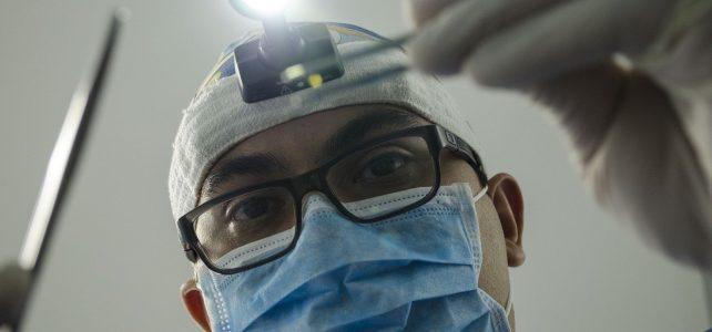 Zahnprobleme gehören zu den häufigsten Gesundheitseinschränkungen im Alter